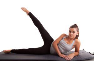 relevés de jambe latérale exercice anti cellulite